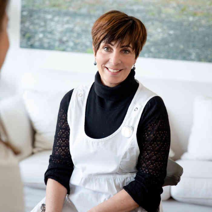 Mitarbeiterin Jolanda Wüthrich von Tattgo Praxis für Tattooentfernung